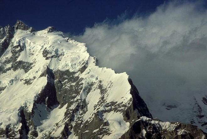 Tứ đại đỉnh núi của dãy Himalaya: Thế giới bí mật chưa có bước chân con người - Ảnh 3.