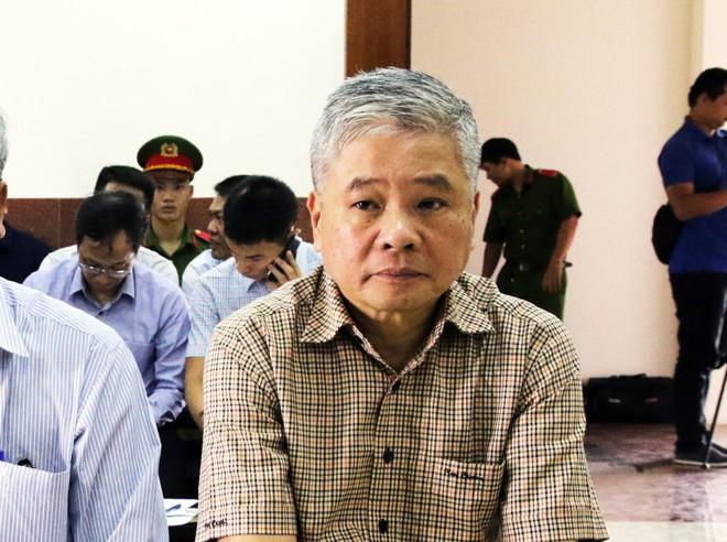 Cựu Phó thống đốc NHNN Đặng Thanh Bình bị giữ nguyên cáo buộc gây thiệt hại 15.000 tỷ đồng - Ảnh 2.