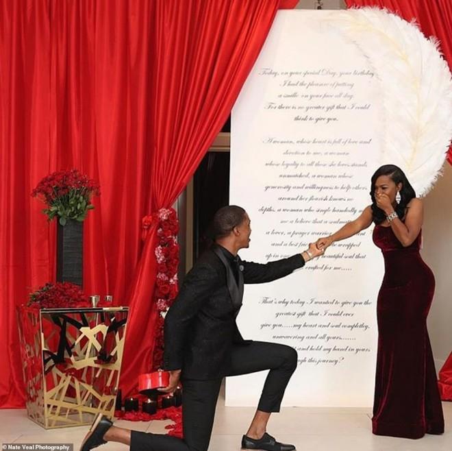 Đặt mua hẳn 6 chiếc nhẫn kim cương để cầu hôn vì không biết bạn gái thích cái nào - Ảnh 5.