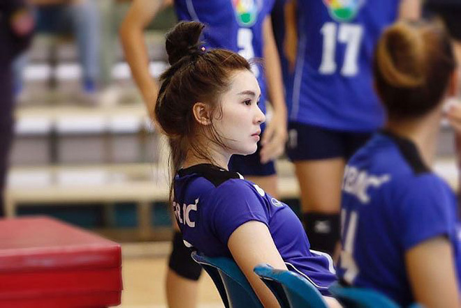 Dung nhan xinh đẹp của 'thiên thần bóng chuyền' Thái Lan - Ảnh 1.