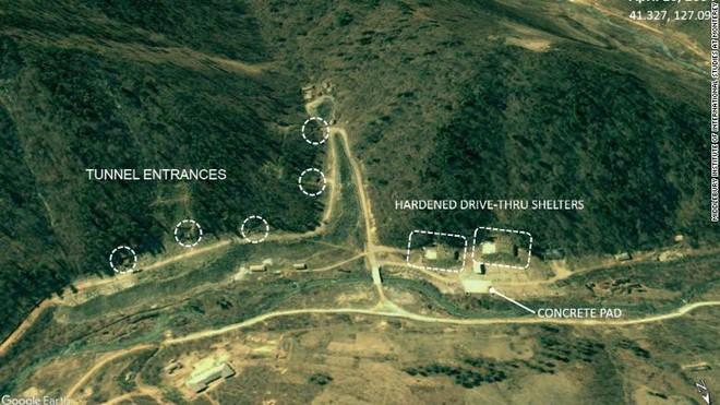 CNN: Lộ ảnh Triều Tiên ngấm ngầm xây căn cứ siêu khủng giấu tên lửa mà không ai phát hiện - Ảnh 3.