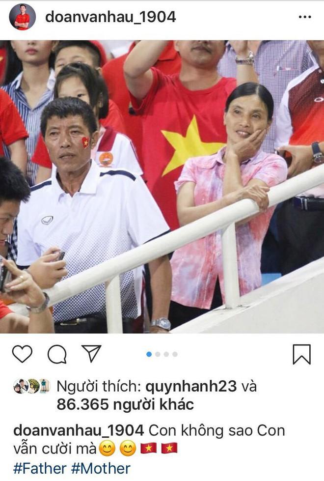 Trước giờ sang Malaysia, các cầu thủ Việt Nam đăng gì lên mạng xã hội? - Ảnh 1.