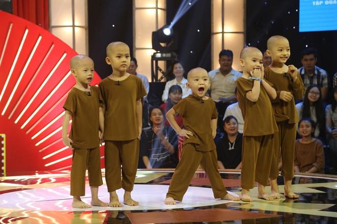 Cuộc sống của 5 chú tiểu bị bỏ rơi, khuất phục Trấn Thành - Trường Giang để thắng 100 triệu  - Ảnh 2.