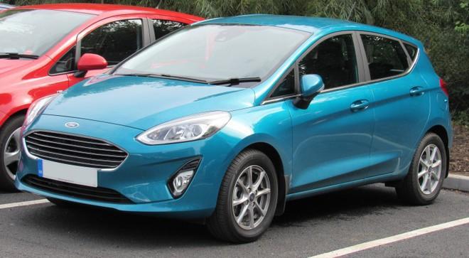 Điểm danh các mẫu xe giảm giá mạnh nhất dịp cuối năm 2018 - Ảnh 1.
