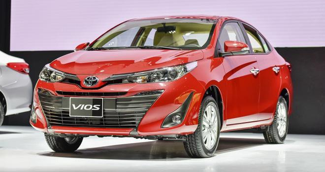 Điểm danh các mẫu xe giảm giá mạnh nhất dịp cuối năm 2018 - Ảnh 2.