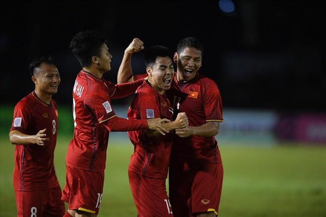 Vào chung kết AFF Cup, ĐT Việt nam được thưởng nóng 1 tỉ đồng - Ảnh 1.