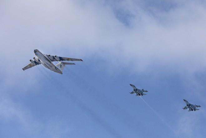 [ẢNH] Nga nổi giận khi Không quân Ukraine đưa đơn vị tấn công xung kích tới sát biên giới - Ảnh 3.