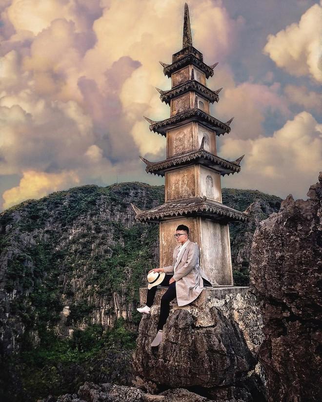 Tọa độ check-in hot nhất ở Ninh Bình: Hùng vĩ và ảo diệu không thua gì cảnh phim cổ trang - Ảnh 2.