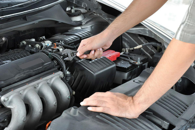 Khi mang ô tô đi bảo dưỡng định kỳ cần lưu ý những điều gì? - Ảnh 1.