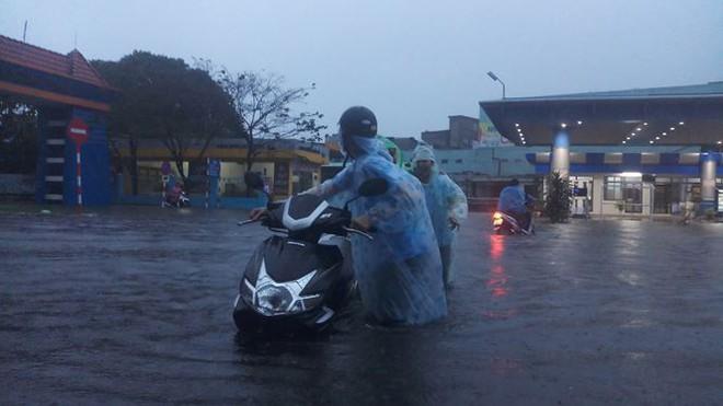 Học sinh 2 trường ở Đà Nẵng được nghỉ học ngày mai - Ảnh 4.
