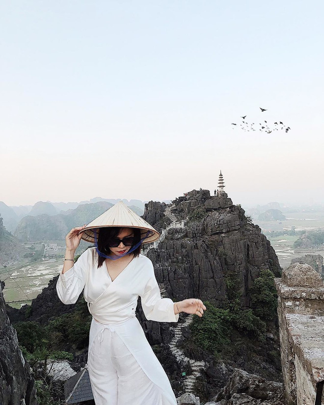 Tọa độ check-in hot nhất ở Ninh Bình: Hùng vĩ và ảo diệu không thua gì cảnh phim cổ trang - Ảnh 5.