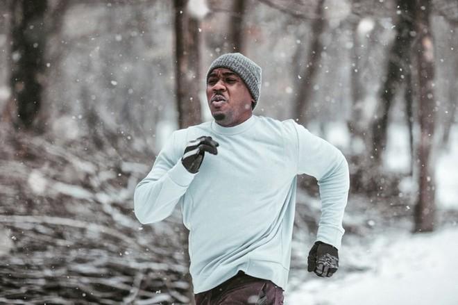 Tập thể dục vào trời lạnh có đốt calo và giảm cân nhanh hơn không? - Ảnh 1.