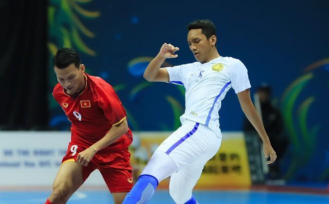 HLV Việt Nam bỏ ngỏ khả năng bị loại sớm sau trận thua nghiệt ngã