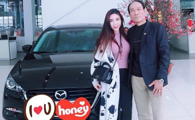 Cô gái sắm xe tặng bố mẹ chơi Tết, chàng trai lương thưởng gần 20 triệu vẫn lo hao hụt