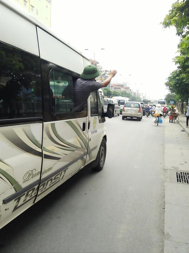 Đại tá Đào Vịnh Thắng: Xử lý nghiêm các nhà xe đón trả khách giữa đường - Ảnh 1.