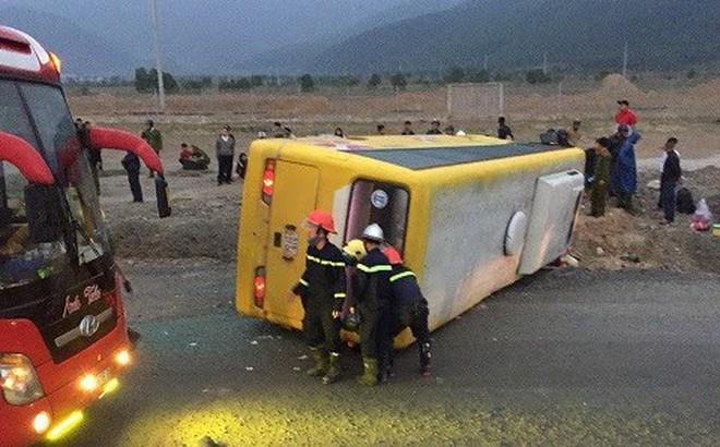 Chuyến xe chở khách về quê ăn Tết gặp tai nạn, 2 người tử vong tại chỗ