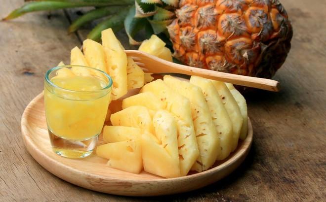 Dứa là trái cây tốt cho nội tạng, làm sạch đường ruột, nhưng nhóm người này không nên ăn