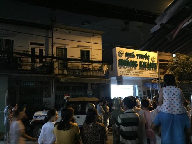 Nghi can sát hại cô gái chủ tiệm thuốc tây ở Sài Gòn ra đầu thú - Ảnh 1.