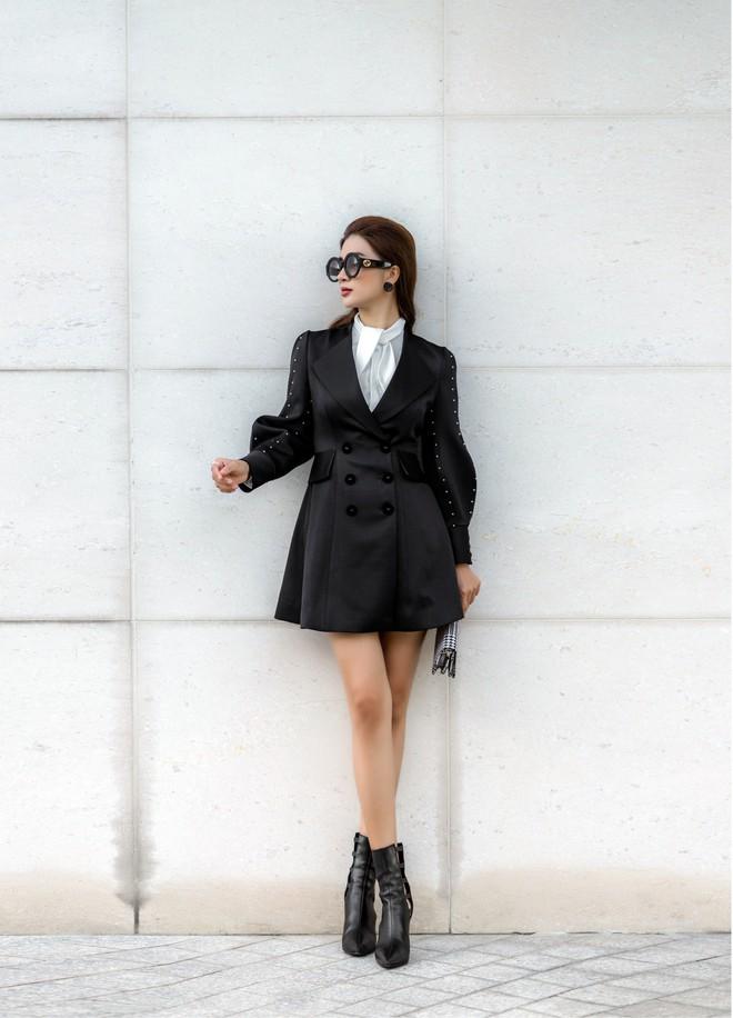Kim Tuyến ăn mặc quyến rũ, sang chảnh đi dạo phố dịp cuối năm - Ảnh 8.