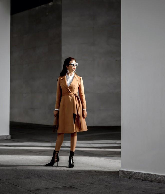 Kim Tuyến ăn mặc quyến rũ, sang chảnh đi dạo phố dịp cuối năm - Ảnh 3.