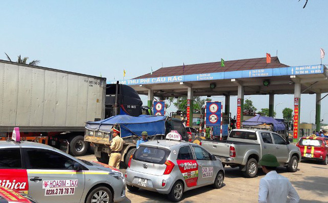 Hai trạm BOT xin dừng thu dịp Tết, lãnh đạo đường bộ nói gì?
