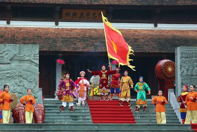 Thủ tướng Nguyễn Xuân Phúc dự lễ hội kỷ niệm 229 năm chiến thắng Ngọc Hồi - Đống Đa - Ảnh 2.