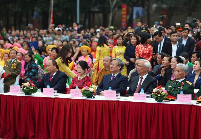 Thủ tướng Nguyễn Xuân Phúc dự lễ hội kỷ niệm 229 năm chiến thắng Ngọc Hồi - Đống Đa - Ảnh 1.