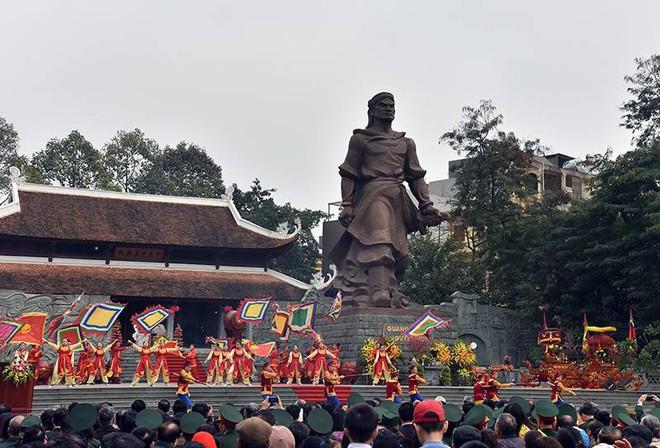 Thủ tướng Nguyễn Xuân Phúc dự lễ hội kỷ niệm 229 năm chiến thắng Ngọc Hồi - Đống Đa - Ảnh 4.