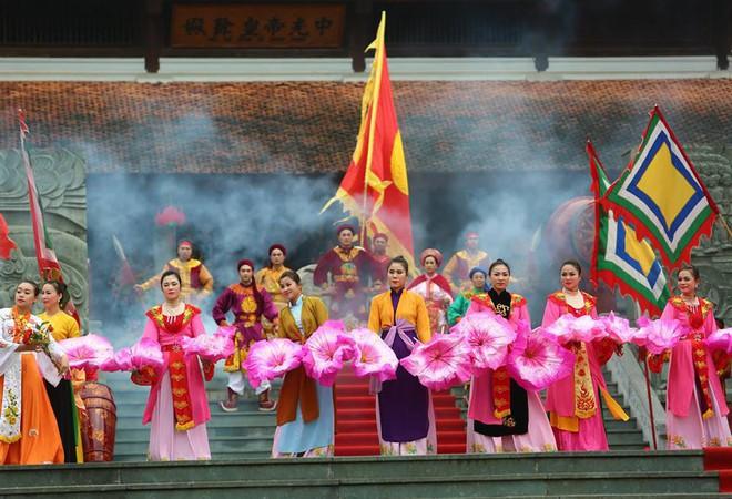 Thủ tướng Nguyễn Xuân Phúc dự lễ hội kỷ niệm 229 năm chiến thắng Ngọc Hồi - Đống Đa - Ảnh 5.