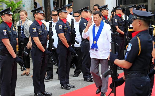 Ông Duterte khẳng định không thể thắng TQ: Nếu muốn, TQ sẽ biến Philippines thành 1 tỉnh