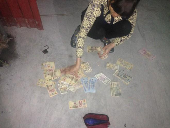 Boss dùng tiền lì xì của sen để trải thảm bước đi từ nhà vào chuồng cho sang chảnh - Ảnh 4.