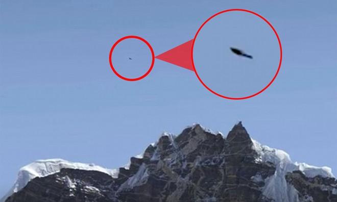 UFO đột nhiên xuất hiện ở núi Everest khiến khoa học đau đầu tìm hiểu - Ảnh 1.
