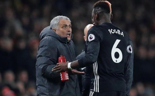 Paul Pogba đến phòng riêng 'đòi làm cho ra lẽ' với Mourinho