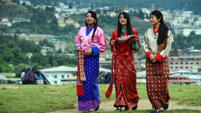Đằng sau chỉ số hạnh phúc cao ngất ngưởng tại Bhutan - Ảnh 2.
