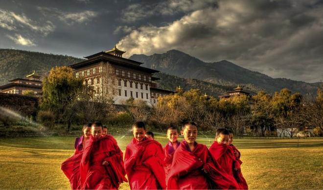 Đằng sau chỉ số hạnh phúc cao ngất ngưởng tại Bhutan - Ảnh 4.