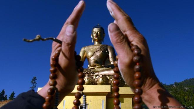 Đằng sau chỉ số hạnh phúc cao ngất ngưởng tại Bhutan - Ảnh 5.