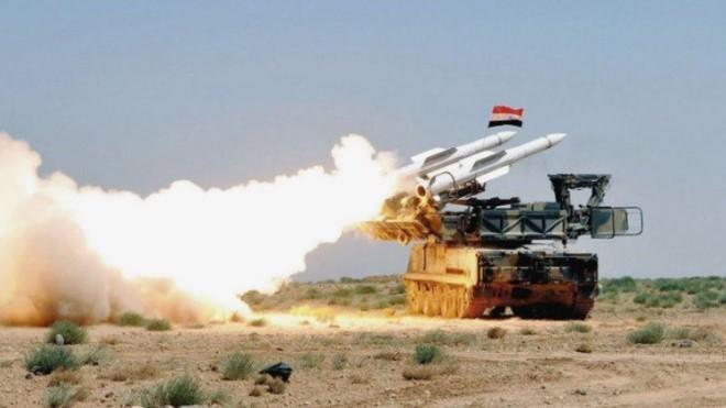 QĐ Syria tấn công mạnh Đông Ghouta: Tên lửa hành trình Tomahawk Mỹ sẵn sàng tập kích ồ ạt? - Ảnh 2.