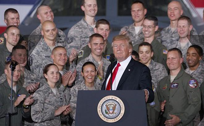Tổng thống Trump muốn tổ chức diễu binh với 'chi phí hợp lý'