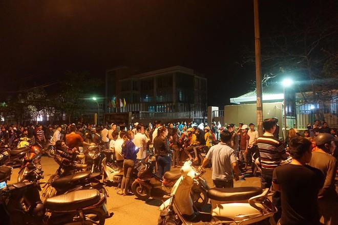 Vụ bao vây nhà máy gây ô nhiễm ở Đà Nẵng: Người dân bức xúc, chính quyền tiếp tục... ghi nhận - Ảnh 2.