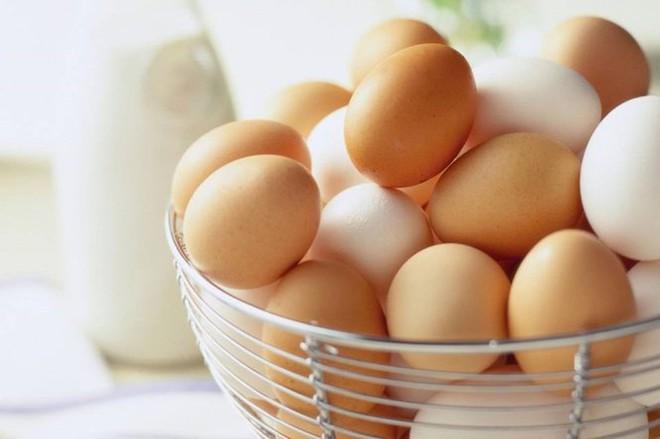 Sự thật về trứng: Trứng gà ta có bổ hơn trứng gà công nghiệp? Nên ăn bao nhiêu trứng/tuần? - Ảnh 2.