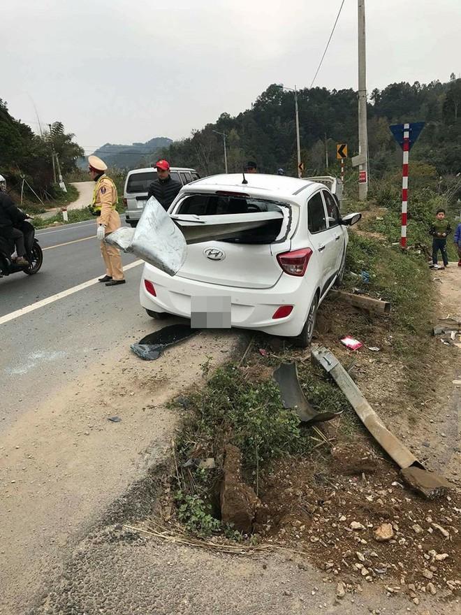 Hiện trường vụ tai nạn khiến dân mạng không khỏi xôn xao, bàn tán - Ảnh 1.
