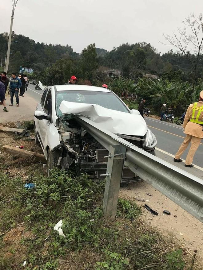 Hiện trường vụ tai nạn khiến dân mạng không khỏi xôn xao, bàn tán - Ảnh 2.