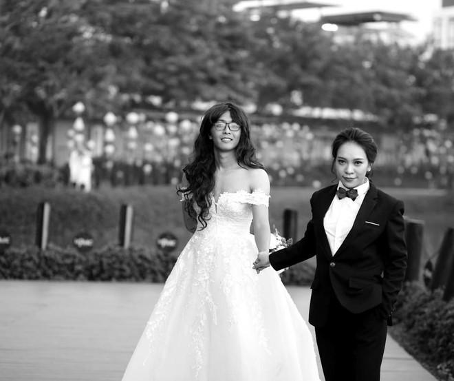 Bộ ảnh cưới đặc biệt, cô dâu khiến mọi người xung quang phải ngoái nhìn, bàn tán - Ảnh 5.