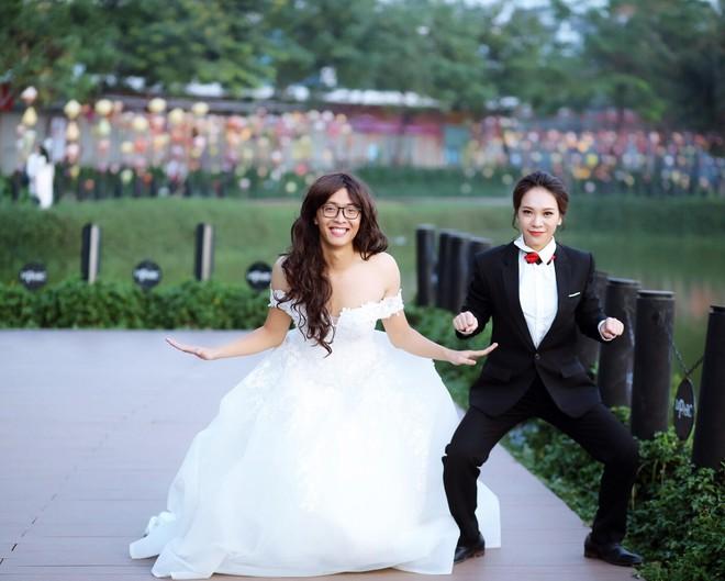 Bộ ảnh cưới đặc biệt, cô dâu khiến mọi người xung quang phải ngoái nhìn, bàn tán - Ảnh 1.