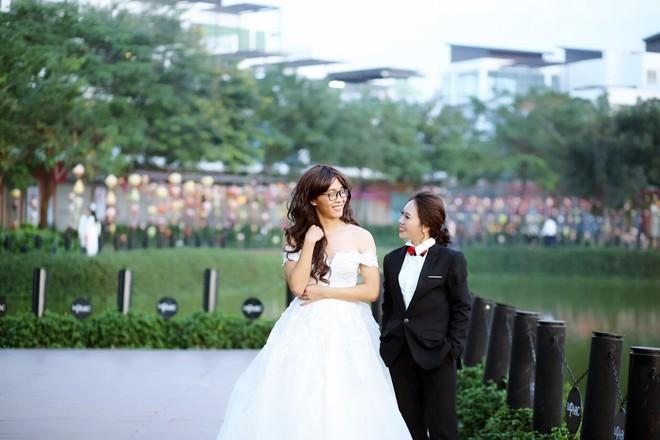 Bộ ảnh cưới đặc biệt, cô dâu khiến mọi người xung quang phải ngoái nhìn, bàn tán - Ảnh 3.