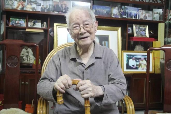 Danh y sống khỏe mạnh đến 102 tuổi: Công thức sống thọ chỉ là thực hiện tốt 4 việc cơ bản - Ảnh 1.