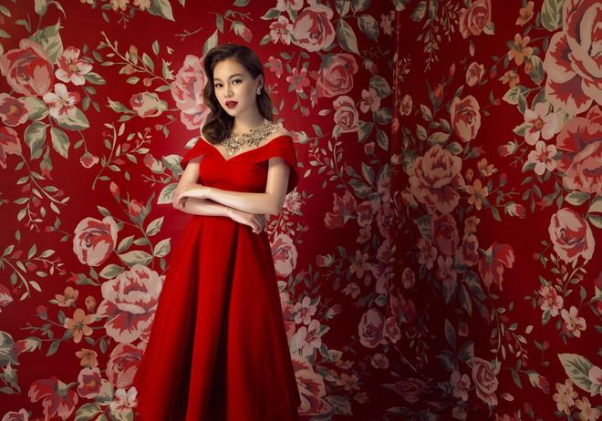Từ chối chạy show, Giang Hồng Ngọc dành thời gian cho cái Tết của gia đình - Ảnh 1.