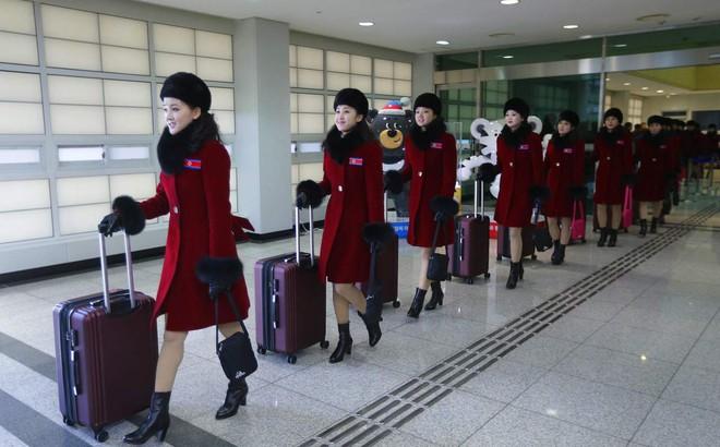 """24h qua ảnh: Mỹ nữ Triều Tiên """"đổ bộ"""" Hàn Quốc"""