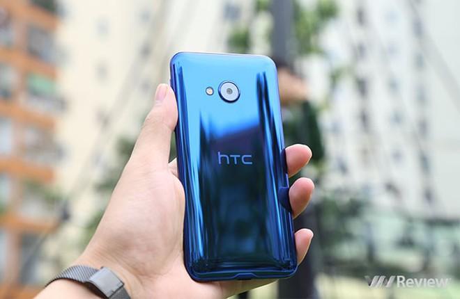6 smartphone HTC đáng mua dịp cận Tết - Ảnh 4.