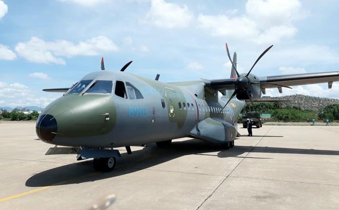 TIN VUI: Lữ đoàn không quân 918 sẵn sàng đón máy bay NC-212i hiện đại